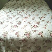 "Vintage Quilt Queen 86 x 86"" 2 Shams Red Roses on Off White Scalloped Edges"