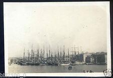 La Ciotat . photo ancienne de 1918 . bateaux . voiliers . port