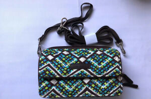 NWT Vera Bradley All In One Crossbody Rain Forest Free Shipping For iPhone