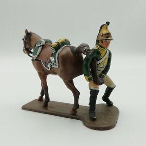 MHSP France -  Dragon à pied tenant la patte de son cheval 67 Figurine peinte