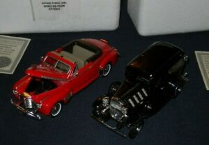 National Motor Museum 1932 Chevy Sedan Delivery & 1941 Chevy Deluxe 1:32