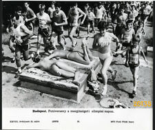 Larger size Vintage press Photograph, funny foot race. topless girl, bikini,