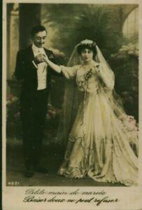 Carte postale fantaisie ancienne petite main de mariée 1914