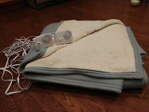 Biddeford  MicroPlush Sherpa Electric Heated Blanket King blue EUC no stains