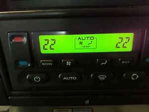 Discovery 2 03-04 Heater and air con control panel