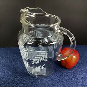 Unmarked Vtg 10-Cup Clear Glass Pitcher w/ Etched Leaves, Ice Lip, Closed Handle