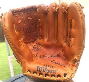 Near Mint 'Hall of Famer' Catfish Hunter Vintage Baseball Glove Wilson Yankees