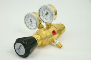 Harris  High Purity Two Stage Brass Barstock Regulator Max IN: 3000 PSIG, HP722-