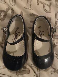 sevva girls shoes Size 6