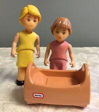 Little Tikes Dollhouse Dolls Figures Mom Daughter Girl Crib Bassinet  Vintage