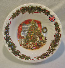 """QUEEN'S """"CHRISTMAS MORNING"""" 9.5"""" SERVING / VEGETABLE BOWL"""