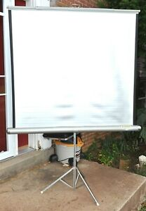 """VINTAGE WARDS SILVER PROJECTOR SCREEN TRIPOD BASE 50"""" x 50"""" VERY GOOD"""