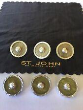 6 St John Buttons