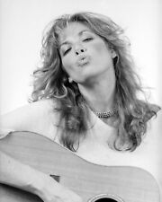 Carly Simon 8 x 10 / 8x10 GLOSSY Photo Picture IMAGE #2