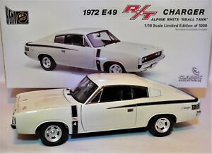 1/18 Classic Carlectables 18492 1972 Chrysler E49 R/T Charger Alpine White