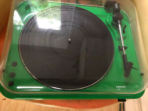 Lenco L-85 Green   33 & 45 RPM Semi-Automatic Belt Drive USB Turntable