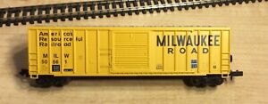 N SCALE ROUNDHOUSE MILWAUKEE ROAD BOX CAR #50561