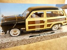 1949 FORD WOODY WAGON BY SHOWCASTS - 1:24TH SCALE