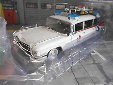 Cadillac Station Wagon LECIO 1 GHOSTBUSTERS TV Movie Cinema Film auto ERTL AutoWorld 1:18