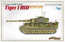 Cyber Hobby 6660 Sd.Kfz.181 Pz.Kpfw.VI Ausf E Tiger I MID Command Version 1943