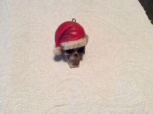 Christmas Hat Skull Resin Figure