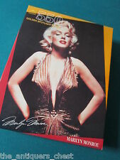"Marilyn Monroe Puzzle NIB 550 Pieces ""Golden Spotlight"" Jigsaw[a5*]"