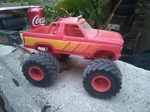 Vintage 1/25 junkyard  monster truck old Built Ford bronco  Model parts or resto