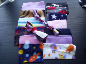 PYGMY HEDGEHOG/SMALL PET Fleece pieces/Foraging/put in Igloo plus 2 Fleece toys