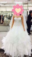 Oleg Cassini Wedding dress size 0 Ivory