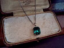 Vintage Jewellery Emerald Green Emerald Cut Crystal Pendant Necklace 12 x 10mm