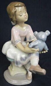 Lladro figure BEST FRIEND 7620 collectors society figure 1993-1994 A/F