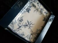 222 Fifth ADELAIDE-BLUE & WHITE Square Dinner Plates