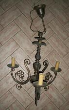 antico lampione lampadario in bronzo dorato con motivi a fiori a tre fuochi