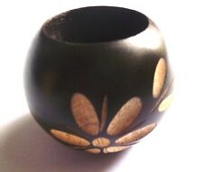 ASHTRAY MADE OF HARD WOOD CARVING MALDIVES FLOWER DARK BROWN ROUND STRONG LIGHT