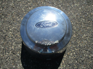 1995 to 1997 Ford F350 pickup hubcap center cap rear dullay deep F58S-1A096-BA