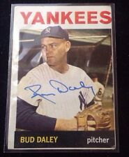 BUD DALEY 1964 Topps Autographed Baseball Card JSA 164 Yankees