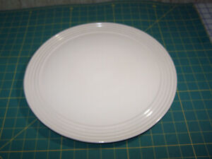 "Pampered Chef 13"" Cake / Serving Plate Cream Glazed Family Heritage Stoneware"