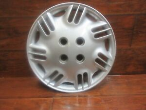 Saturn S Series: 1996, 1997, 1998, 1999, 14 Inch Factory Hubcap