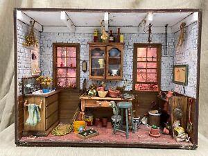 Vintage Artisan Miniature Dollhouse Garden Shed Room Box Lighted WONDERFUL! 1:12