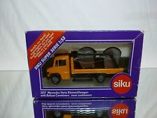 SIKU 2017 MERCEDES BENZ VARIO TRUCK + REFUSE CONTAINERS - 1:55 - GOOD IN BOX