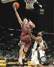 KIRK HINRICH signed CHICAGO BULLS 8X10 PHOTO with COA