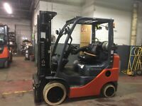 2016 Toyota 5000 LB Forklift With Side Shift and Triple Mast
