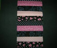 "40 x 5/"" CHARM PACK SQUARES BLACK//PINK  100/% COTTON PATCHWORK//QUILTING//CRAFT PK2"