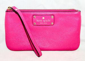 KATE SPADE WLRU 1007 Berkshire Road Chrissy Pink Leather Zip Wristlet $128