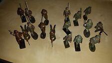 """17 Wehrmacht """"Soldaten"""" - Konvolut von Schusso und Elastolin - 7 cm"""