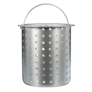 Bayou Classic 30 qt. Perforated Basket Boiling/ Steam Compact Durable Aluminum
