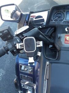 Honda Goldwing cellphone holder