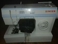Singer sewing machine 57815 C with foot pedal