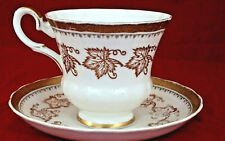 Vtg Royal Tuscan Gold Gild MAPLE LEAF WREATH Design Pedestal Tea Cup & Saucer