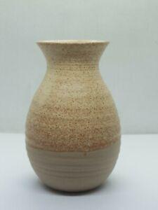 Maureen Wilsker Studio Pottery Vase (Height 10cm)
